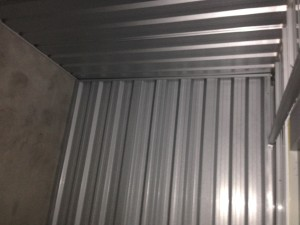 Covering roof with sheet metal, timber or concrete